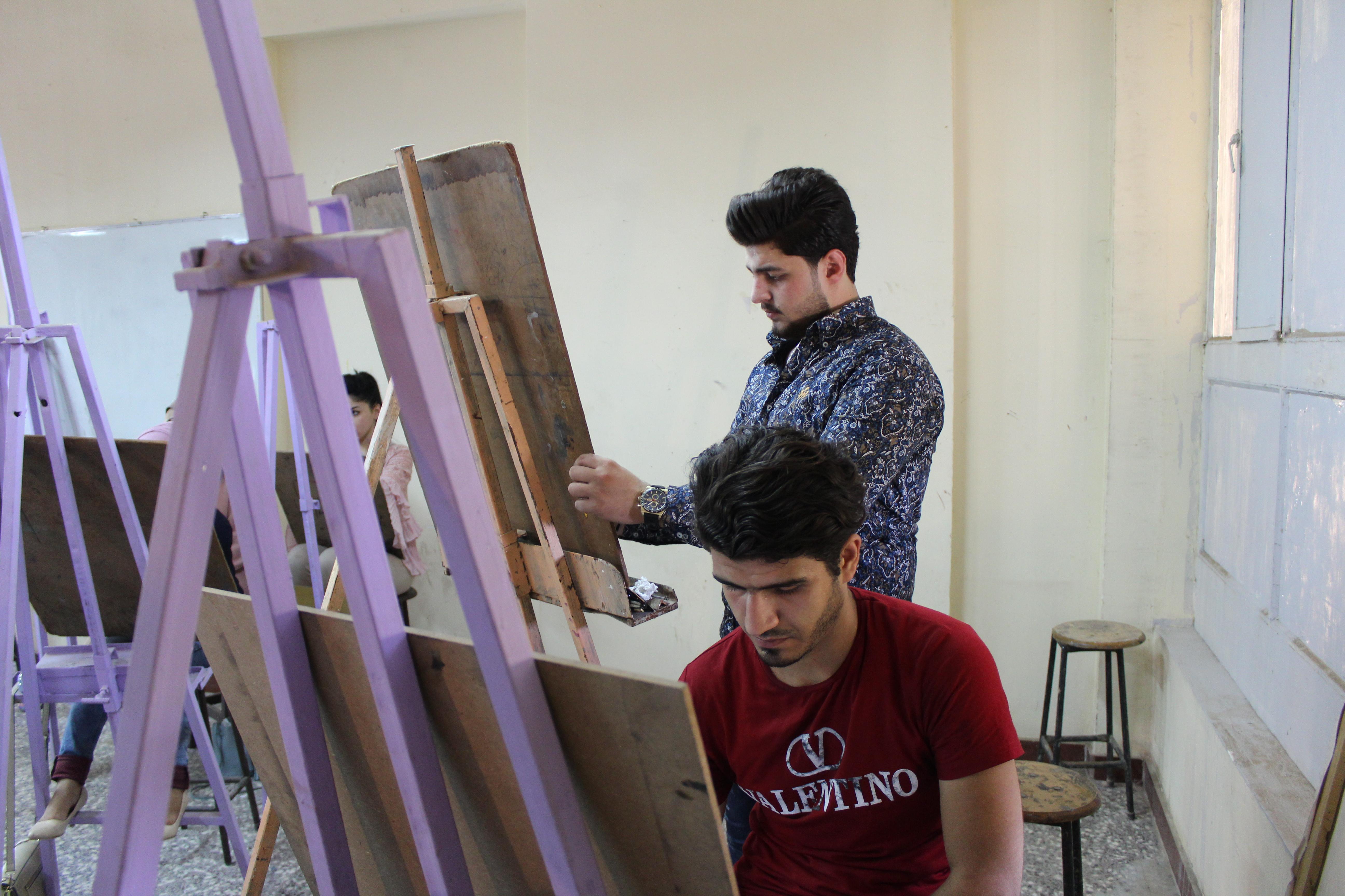 تواصل اختبارات الدراسة المسائية في كلية الفنون الجميلة