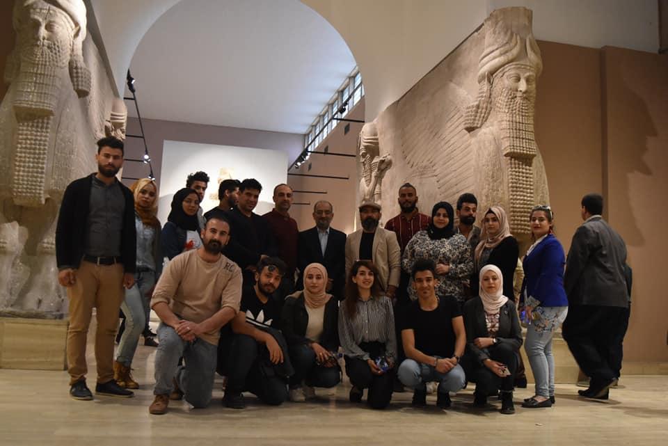 طلبة قسم الفنون التشكيلية يطلعون على حضارتهم العريقة، في المتحف الوطني العراقي.