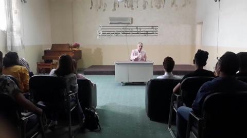 حلقة نقاشية لمفهوم الموسيقى ضمن منهج الدراسة والخبرة المحلية