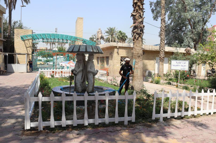 حملة لتطوير حدائق وساحات الكلية