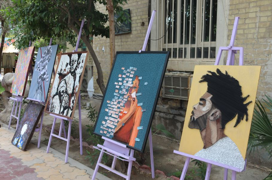 افتتاح المعرض الشامل لطلبة المرحلة الثالثة في قسم الفنون التشكيلية