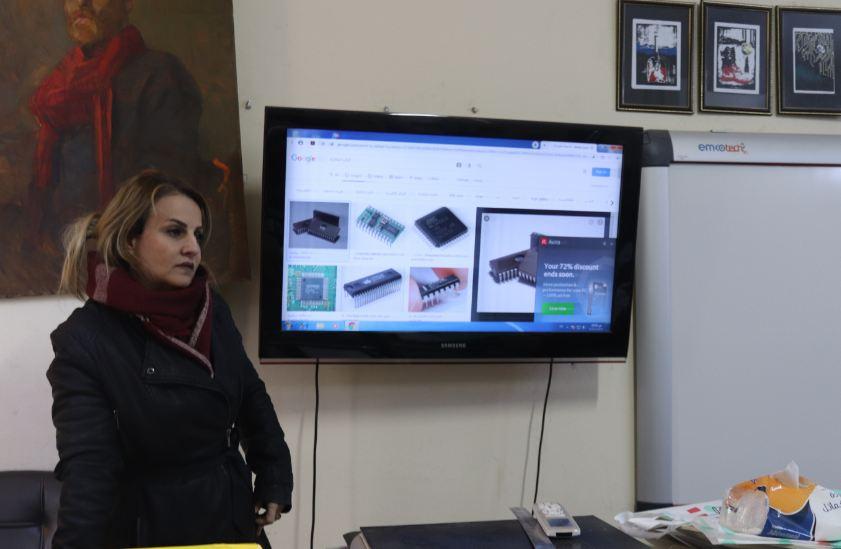 قسم الفنون التشكيليةفرع الرسم يقيم محاضرة  عن مراحل تطور الحاسوب