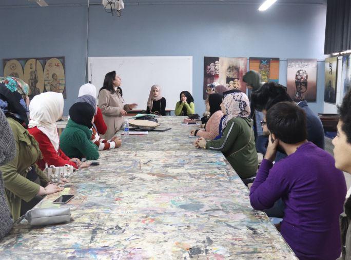 فرع الكرافيك في قسم الفنون التشكيلية يقيم ورشة عمل للتطبيقات الحرة