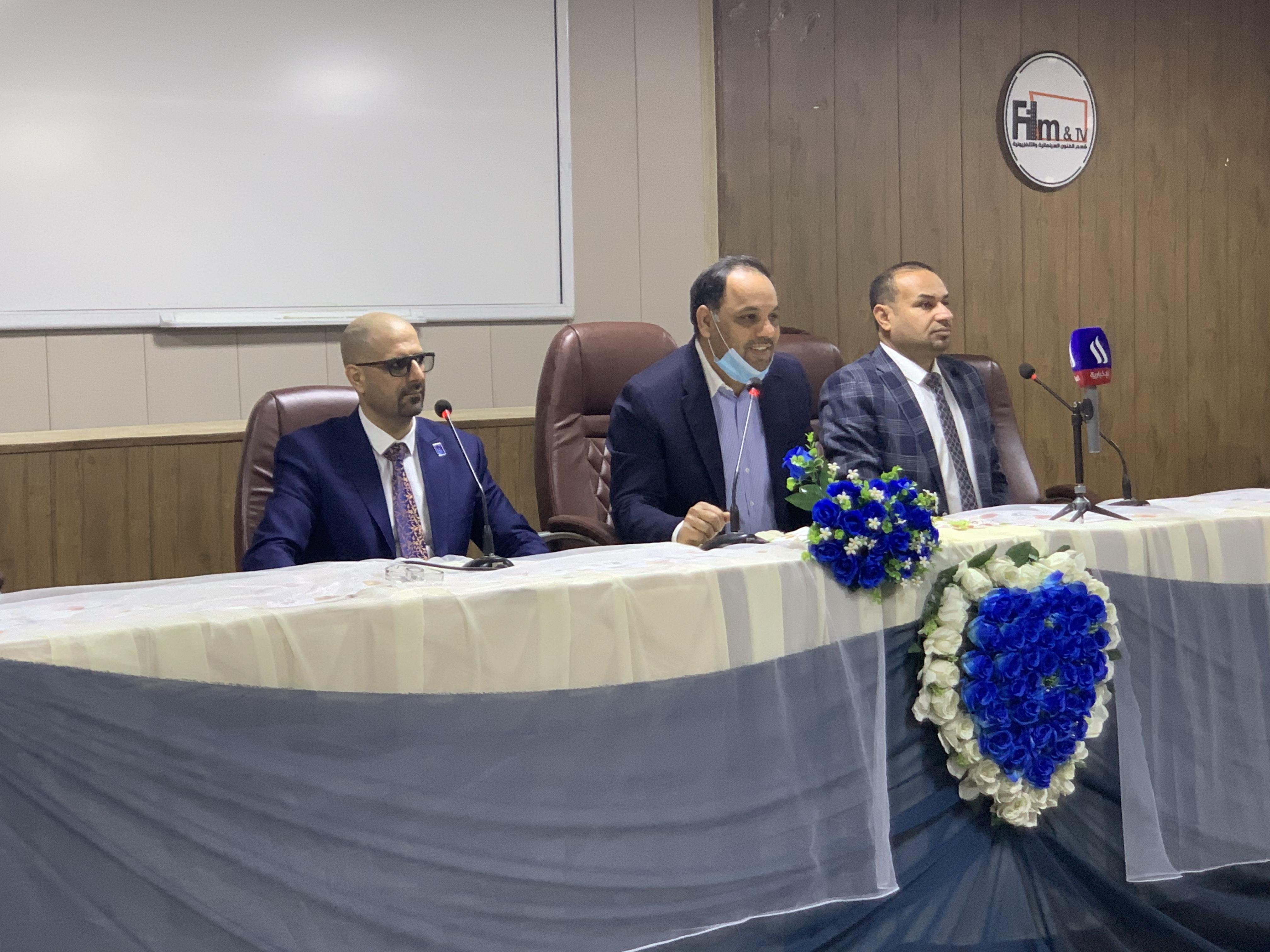 مكتب انتخابات بغداد/ الرصافة الانتخابي ينظم ورشة تثقيفية في كلية الفنون الجميلة